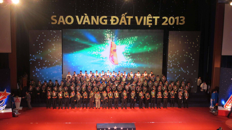 Adamo Studio tài trợ lễ trao giải Sao Vàng Đất Việt 2013