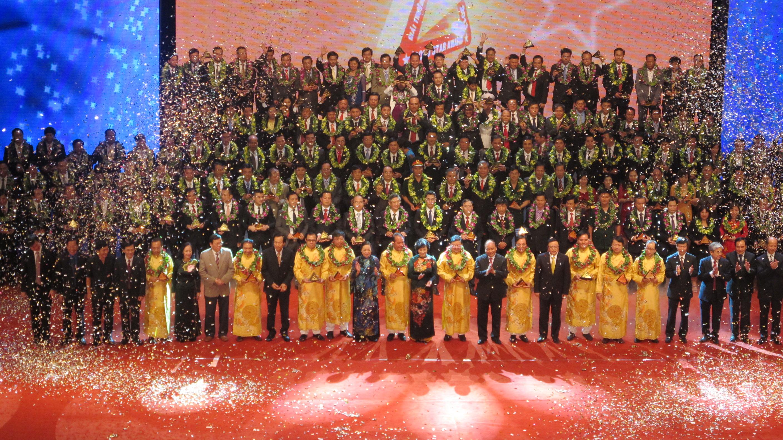 Adamo Studio sponsored 2013 Vietnam Gold Star Awards